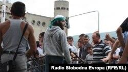Протести на Албанците против полициската операција Монструм.