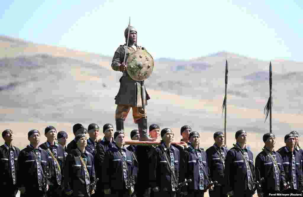 Казахскі вайсковец выступае на апошніх Вайсковых міжнародных гульнях.