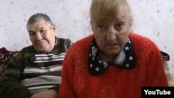 Кадр из видеообращения, в котором обитатели дома престарелых рассказывают о своей тяжелой жизни