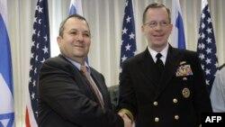 دریاسلار مولن (راست) در کنار ایهود باراک./ عکس آرشیوی است