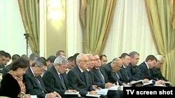 Türkmenistanyň baş diplomatlary Ministrler Kabinetiniň giňişleýin mejlisinde, Aşgabat, 17-nji dekabr, 2010.