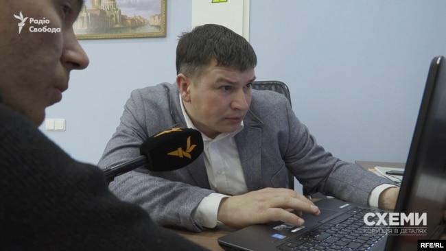 Журналісти попросили переглянути відео адвоката Олександра Швеця, який спеціалізується на справах, пов'язаних із ДТП