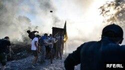 Сутички між активістами, місцевими мешканцями і працівниками спірної забудови