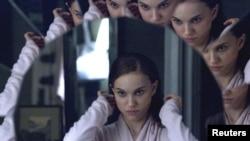 """Натали Портман добиртничка на Оскар за улогата во филмот """"Црниот Лебед"""""""