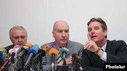 ԵԱՀԿ-ի Մինսկի խմբի համանախագահների մամուլի ասուլիսը Երեւանում, 27-ը ապրիլի, 2009