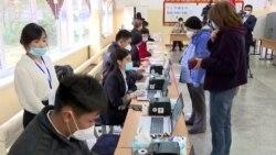 Civilek vették videóra a feltételezett kirgiz választási csalásokat