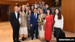 Татарстан президенты Рөстәм Миңнеханов Италиядә яшәүче татарлар белән. Милан, 12 декабрь 2017