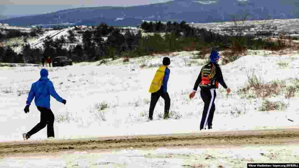 Воспитанники крымской велошколы на прогулке