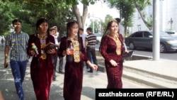 Türkmen ýaşlary
