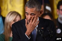 باراک اوباما سالهاست در تلاش برای تصویب قوانین تازهای در مورد مالکیت اسلحه در آمریکا و محدود کردن آن است