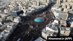 Учасники жалобних заходів на вулицях Тегерану
