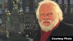 Петр Вайль в Праге. Фото 2000-х годов