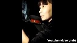 Певица Клара Алибекова. Скриншот из видео.