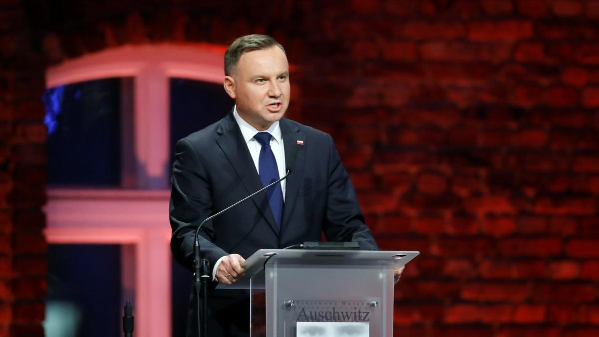 В Польше через COVID-19 перенесли президентские выборы