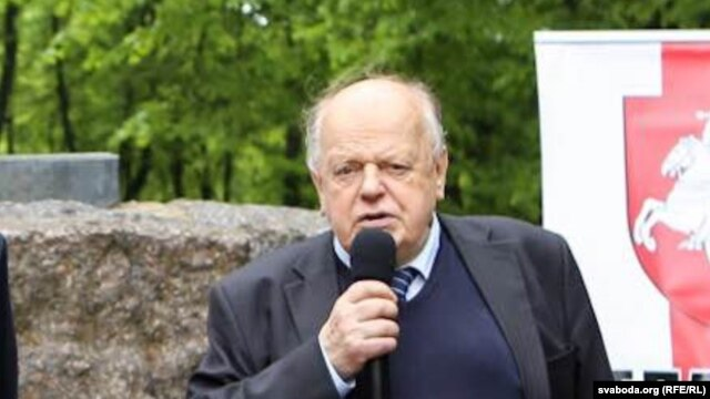 Станіслаў Шушкевіч на Беларускім нацыянальным кангрэсе