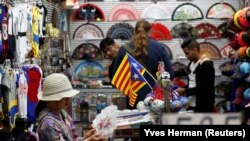 Barcelona, magazin de suveniruri, după declararea unilaterală a independenței,. 28 octombrie 2017