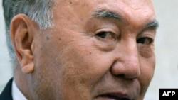 Казакстан президенти Нурсултан Назарбаев.