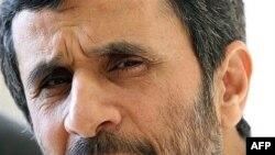محمود احمدی نژاد می گوید اسرائیل جرات حمله به ایران را ندارد.