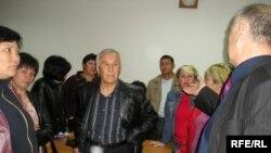 Жетісу аудандық сотының шешімімен 24 отбасы баспанасыз қалды. Алматы,4 мамыр, 2009 жыл.