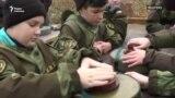 Российские военные в Крыму учат детей основам саперного дела