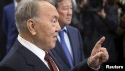 Президент Казахстана Нурсултан Назарбаев выступает на открытии станции метро. Алматы, 18 апреля 2015 года.