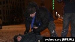 Зьбіцьцё Андрэя Саньнікава 19 сьнежня 2010.