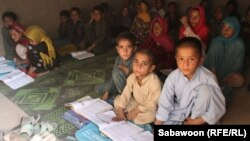 Afghanistan -- Afghan school children study at their classroom in the outskirts of Jalalabad on 09Oct2012