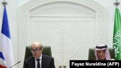 ژان ایو لودریان، وزیر خارجه فرانسه (چپ) در در نشست خبری مشترک با عادل الجبیر،وزیر خارجه سعودی