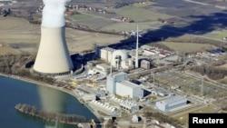 """АЭС """"Isar"""" у городка Нидэрайхбах, Германия, 8 марта 2011"""