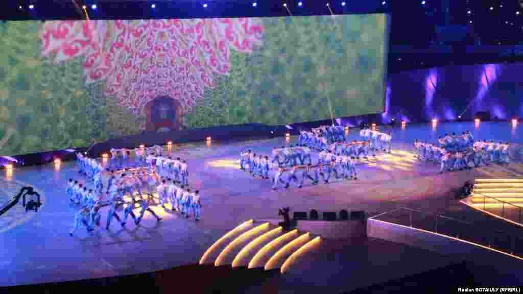 Концерт в честь Дня первого президента. Астана, 1 декабря 2014 года.