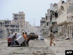 От ливийского Сирта остались одни руины в результате ожесточенных боев между повстанцами и сторонниками Каддафи
