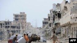 Нахуствазири нав бояд ба эҳёи Либия камар бандад