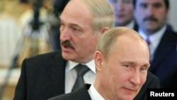 Лукашэнка і Пуцін на саміце АДКБ 19 сьнежня