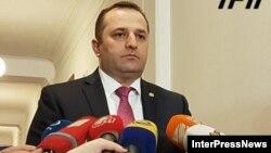 Глава грузинской разведки Давид Суджашвили своей оценкой опасностей для внутренней политики страны, конечно же, делиться не стал