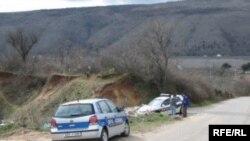 Policija u pretresu kod deponije u blizini Blagaja, Foto: Tina Jelin