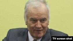 Ratko Mladić u sudnici 7. rujna 2012.