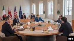 Лідери Німеччини, США, Франції, Великобританії та Італії у Ганновері 25 квітня 2016 року