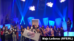Domaćin ceremonije grad Novi Sad je ovu titulu osvojio 2016. godine i biće Omladinska prestonica za 2019. godinu