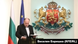 Президентът Румен Радев отчете две години от встъпването си в длъжност. Говори дълго, без да каже нищо особено.