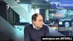Председатель Хельсинкского комитета Армении Аветик Ишханян в студии Азтаутюн ТВ (архив)
