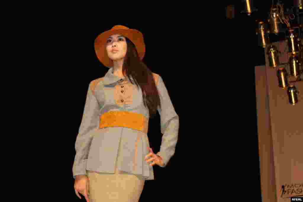 Осенняя Неделя моды-2012 #2