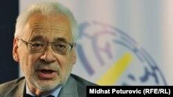 Поранешниот координатор на Пактот за стабилност за ЈИЕ, Ерхард Бусек