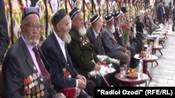 Tajikistan -- A participant of Second World War during millitary parade in capital Dushane, 09May2012