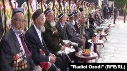 Участники второй мировой войны из Таджикистана. Архивное фото