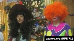 Аниматоры на новогоднем вечере в Алматы. Иллюстративное фото.