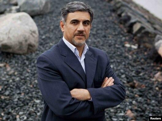 حسین عليزاده دومين ديپلمات ايرانى در اروپاست كه مى گويد در اعتراض به نتيجه انتخابات دهم رياست جمهورى از مقام خود كناره گيرى کرده است.
