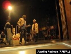 Teatrda məşq zamanı