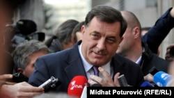 Milorad Dodik pred početak sastanka sa Fueleom
