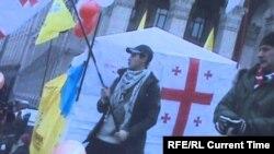 Активист, приехавший из Грузии поддержать участников Евромайдана. Киев, конец 2013 года