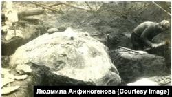 Камень Джона Анфиногенова